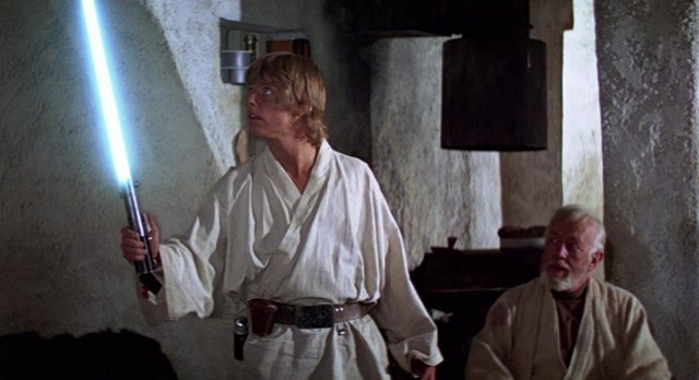 Luke Skywalker junto a Obi Wan Kenobi en Star Wars