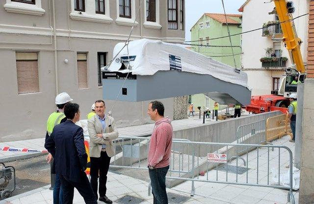 Instalación de las rampas entre la Plaza de los Remedios y General Dávila