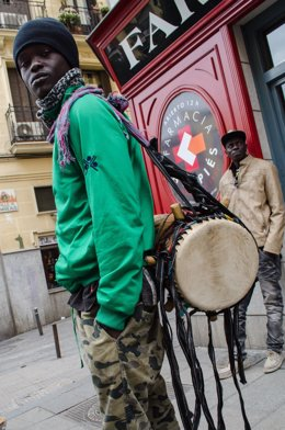 Músico callejero, músicos callejeros, sudafricanos, sudafricano, sin techo