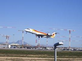 El aeropuerto de Valencia crece un 14,5% hasta los 589.723 pasajeros y el de Alicante llega a 1,2 millones, un 13,4% más