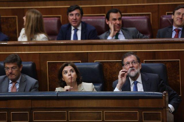 Rajoy y Santamaría en el debate de Presupuestos en el Congreso