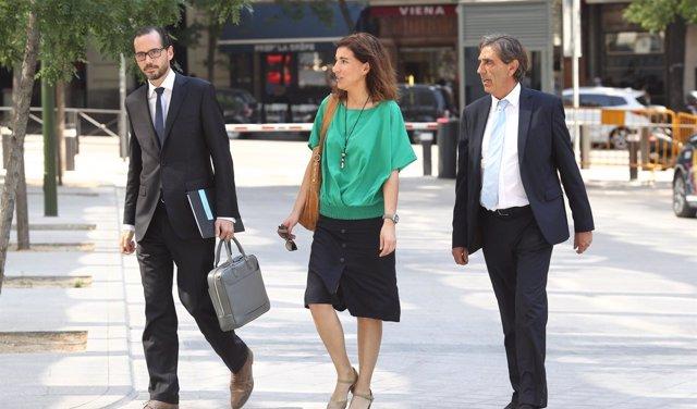 La OCU presenta una querella contra la cúpula del Banco Popular