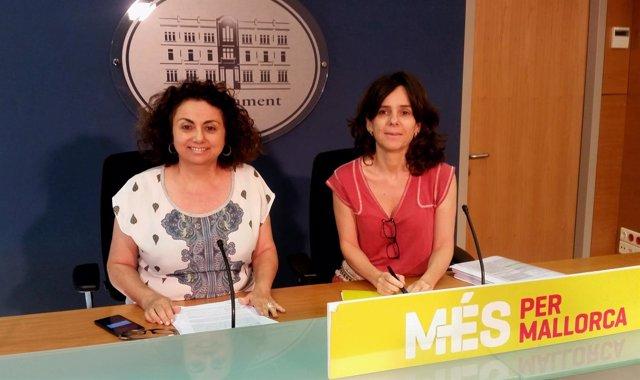 Joana Aina Campomar Y Margalida Capellà De Més