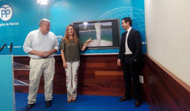 Bernabé, Carreño y Teodoro García en rueda de prensa