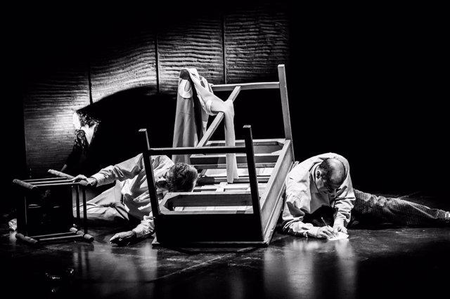 La compañía 'Guirigai', en una actuación.