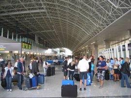 Los aeropuertos canarios registran 3,2 millones de pasajeros en mayo, un 6,9% más