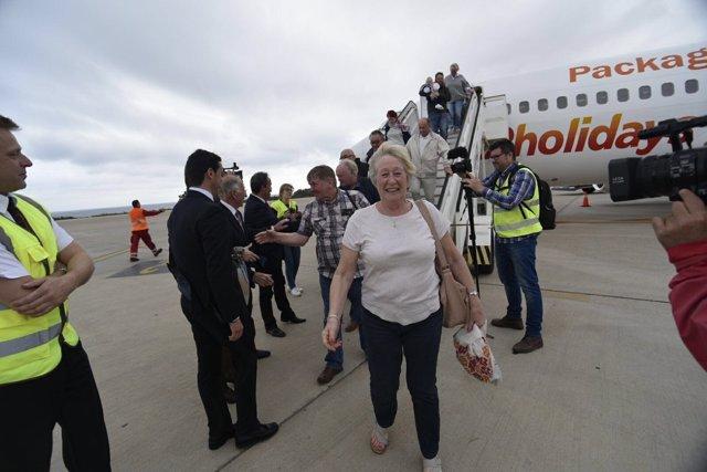 Un total de 180 turistas de Edimburgo aterrizan en el aeropuerto de Almería.