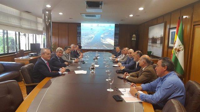 Reunión entre la Autoridad Portuaria y la Aiqbe.