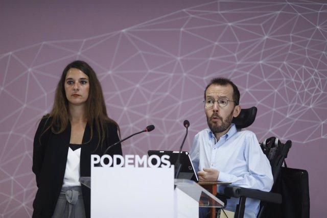Pablo Echenique y Noelia Vera en rueda de prensa en la sede de Podemos