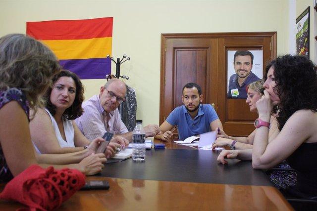Rojas se reúne con los formadores de talleres