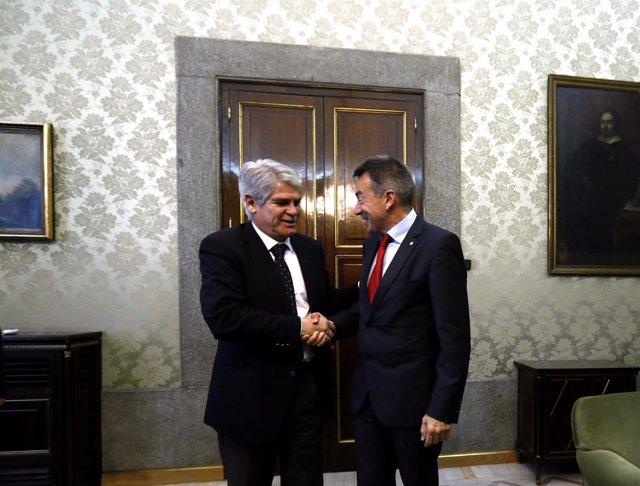 Dastis se reúne con el presidente del Comité Internacional de la Cruz Roja