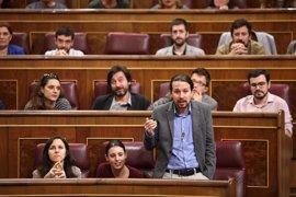 """Unidos Podemos pide a sus diputados no caer en las """"provocaciones"""" del PP en la moción de censura"""
