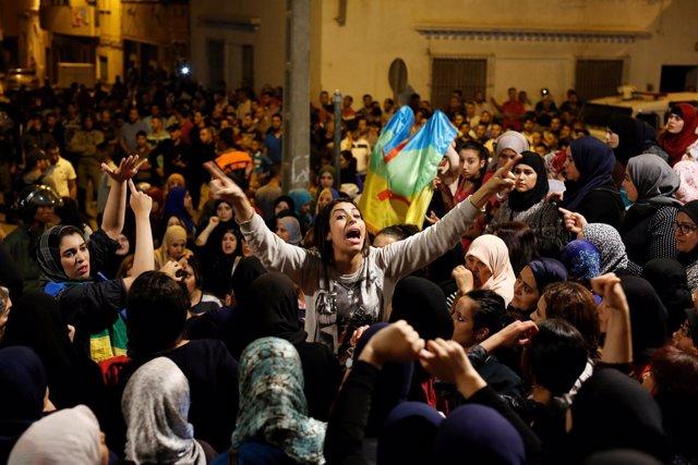 Concentración de mujeres en Alhucemas