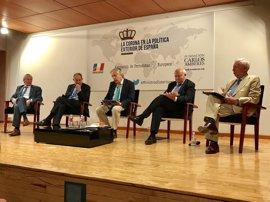 Solana, Piqué, Moratinos y Margallo ensalzan el papel del rey Juan Carlos en las relaciones exteriores de España