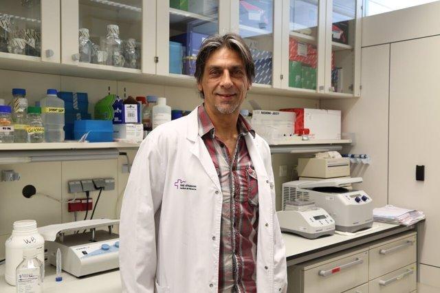 Investigador del VHIR del ámbito del melanoma  Juan Ángel Recio