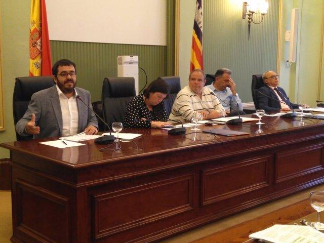 Vidal comparece en el Parlament