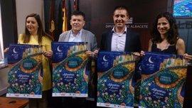 Elche de la Sierra celebra el Corpus con 53 años de alfombras de serrín y nuevos reconocimientos