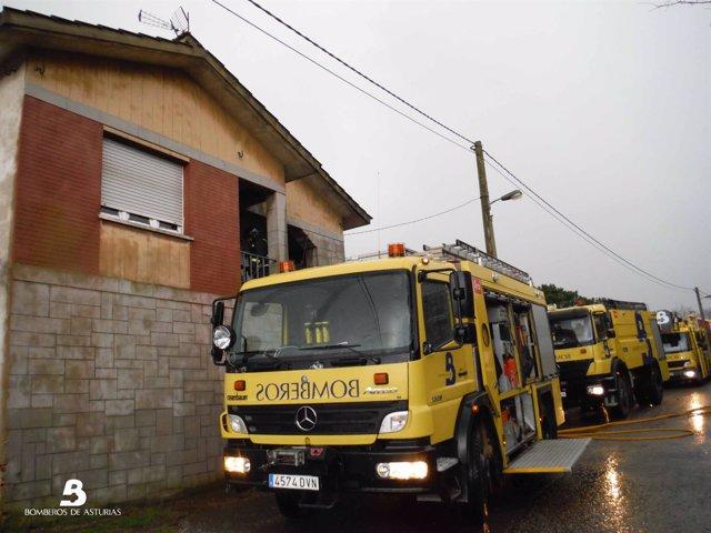 Incendio urbano en Llavares, Llanera