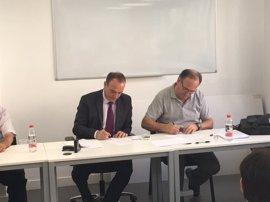 SOS Desaparecidos y la Gremial del Taxi firman un convenio para la difusión de alertas de personas desaparecidas