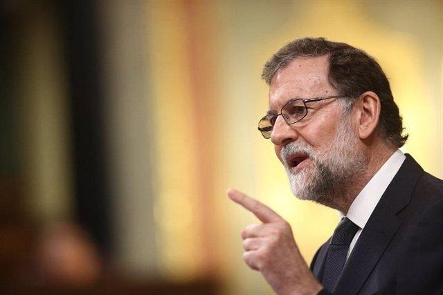 """Rajoy cree que la moción es """"pintoresca y chusca"""""""