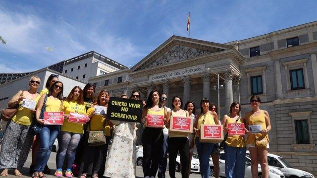 Firmas a favor de un plan nacional contra la endometriosis