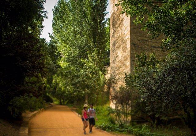 Cuesta de los Chinos, en el entorno de la Alhambra