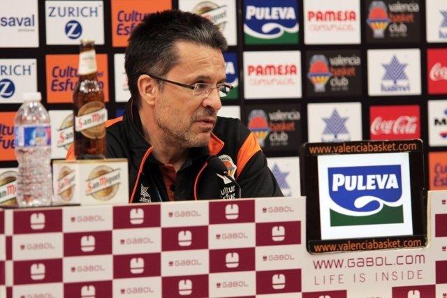 El entrenador de Valencia Basket, Pedro Martínez