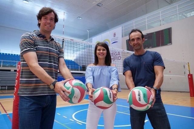 El Campus 'Cosme Prenafeta' llenará de voleibol el Pabellón Moisés Ruiz.