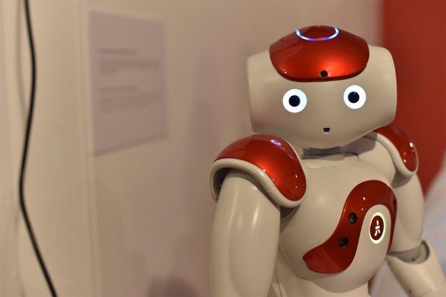 Robot en la Feria de lso Investos de la UPV