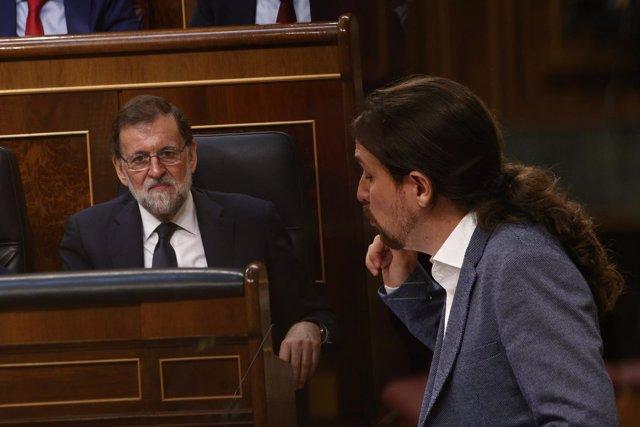 Mariano Rajoy y Pablo Iglesias en el debate de la moción de censura