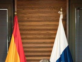 """Clavijo dice que no habló de """"intercambio de estampitas"""" con Antona (PP), sino de si hay una idea común de Canarias"""