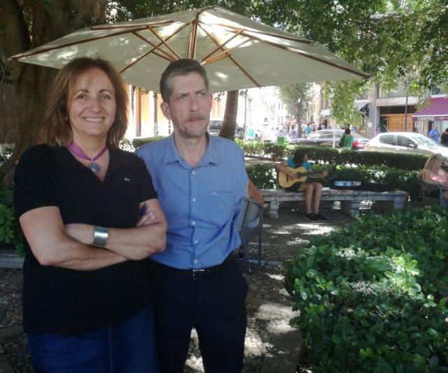 La consellera Fanny Tur y el director del IEB Francesc M. Rotger