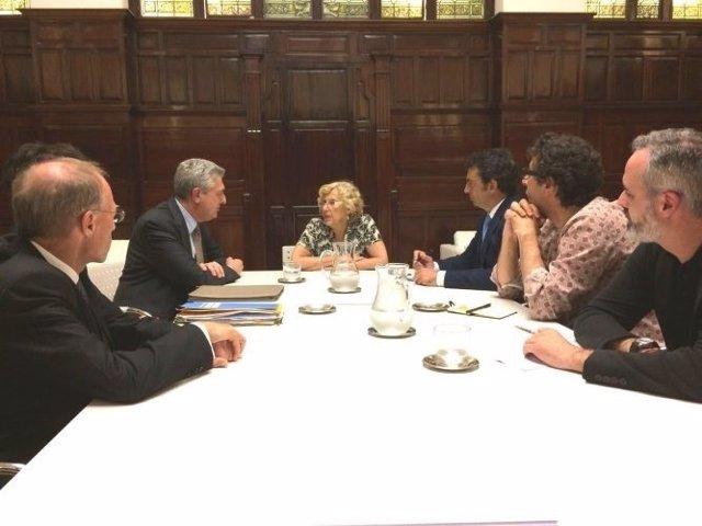 Carmena se reúne con el alto comisionado de las Naciones Unidas para Refugiados