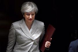 """May ratifica que las negociaciones sobre el Brexit comenzarán """"la próxima semana"""""""