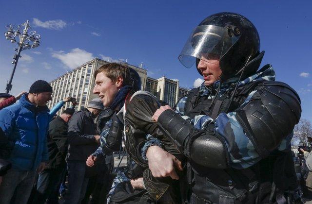 Detención durante una manifestación en Moscú