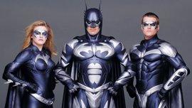 Joel Schumacher pide perdón por Batman & Robin... 20 años después