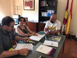 Amnistía Internacional pide mayor garantía en el derecho a la vivienda y al acceso a salud en su encuentro con Podemos