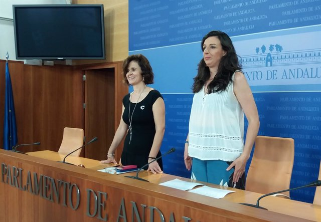 Rueda de prensa de Esperanza Gómez y Libertad Benítez (Podemos Andalucía)