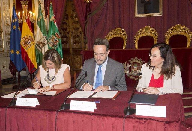 Felipe López con la presidenta de la Diputación de Cádiz