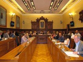 El Pleno aprueba instar al Principado a cambiar la normativa para permitir música en vivo en locales hosteleros