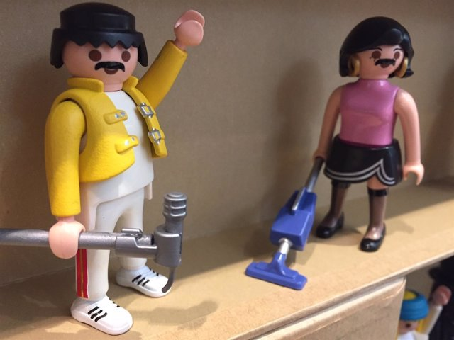 Recreación de un videoclip de Queen con muñecos de Playmobil