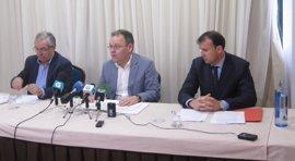 """Federaciones de transporte exigen a la Xunta que retire su """"catastrófico"""" plan que llevará al cierre a pequeñas empresas"""