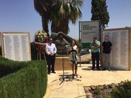 La Junta homenajea en Martos (Jaén) a las víctimas del franquismo por su compromiso con la libertad