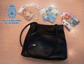 En prisión el presunto autor del robo de un bolso con 2.000 euros a una mujer de 90 años en Cádiz