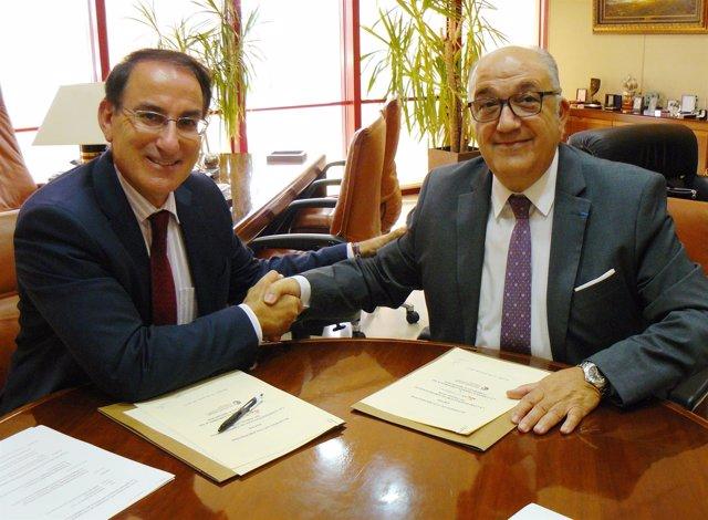 Firma del acuerdo entre CEA y la Cámara Franco-Española de Comercio e Industria.