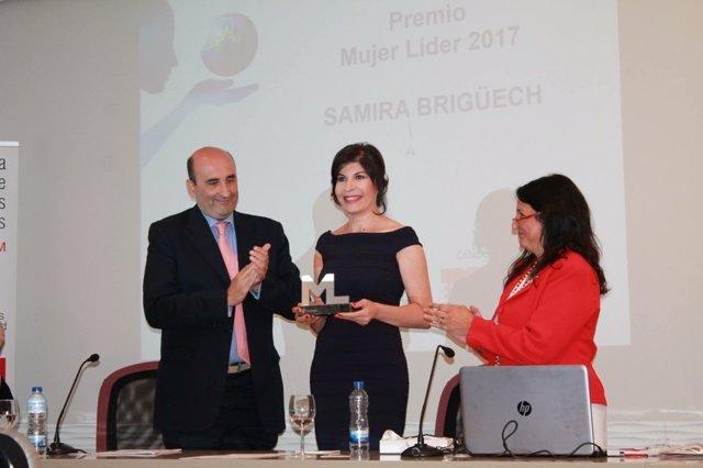 Presidenta de la Fundación Adelias recibe el Premio Mujer Líder 2017 de Aliter