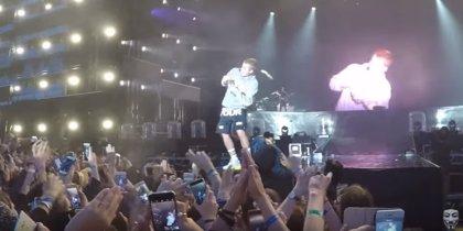 VÍDEO: Lanzan una botella a Justin Bieber por negarse a cantar Despacito en un concierto