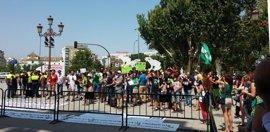 Unas 300 personas protestan para pedir la adaptación a contratado doctor de ayudantes e interinos universitarios