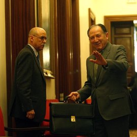 La vicepresidenta, tres ministros y el director del CNI acuden la próxima semana a la comisión de secretos
