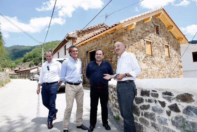 Rehabilitación de la 'Cuadra del Toro' en Espinama